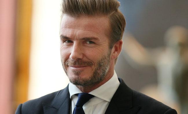 David Beckham sfregiato e con i denti gialli!