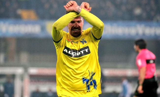 Chievo-Juventus, Cacciatore espulso: fa il gesto delle manette all'arbitro Maresca