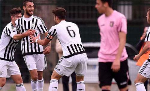 Cori anti-Napoli: squalificati 25 baby della Juventus