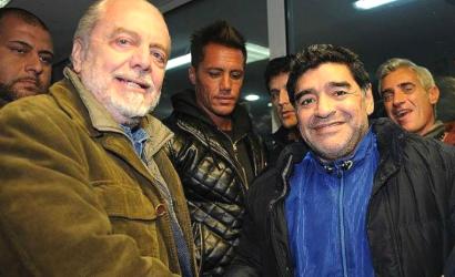 Napoli, Maradona pronto a tornare in azzurro