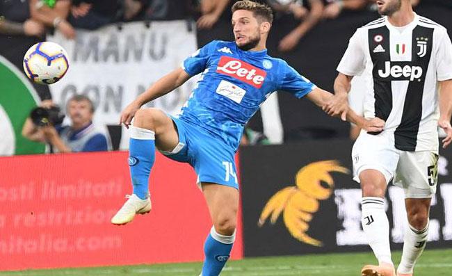 Napoli, Mertens sfida la Juventus: