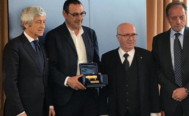 Sarri vince la Panchina d'oro 2016, battuti Allegri e Di Francesco